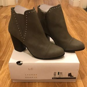 New! LC Grey Boots